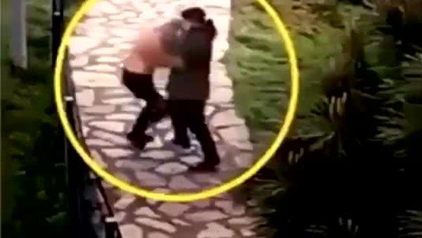 SON DAKİKA: İstanbul Cihangir'de genç kadına bıçaklı sapık dehşeti! Cihangir sapığına sosyal medyada tepki yağdı...