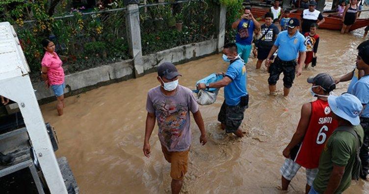 Filipinler'de sel: 6 ölü