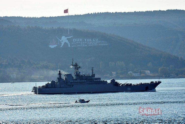 Rus savaş gemisi 'Caesar Kunikov' Çanakkale Boğazı'ndan geçti