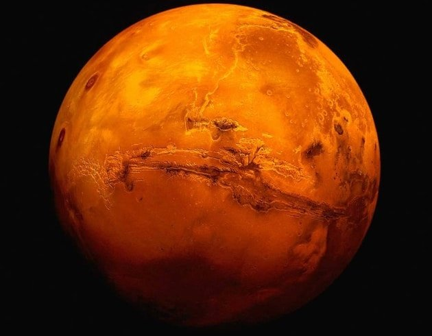 Mars yüzeyinde buzul tabakalar buldu