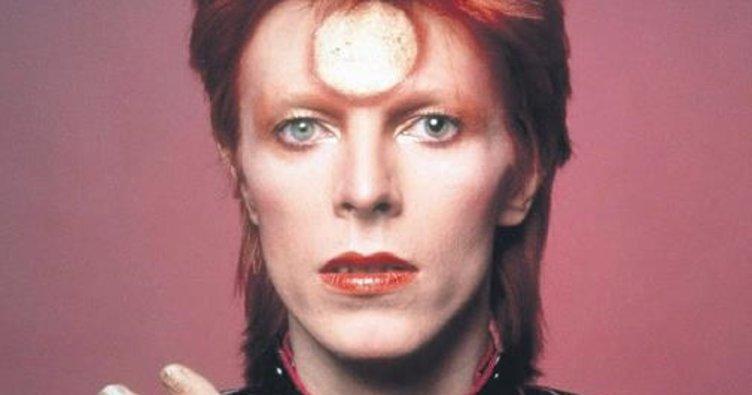 David Bowie'ye Barbie vefası