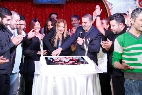 Şafak Sezer doğum gününü kutladı