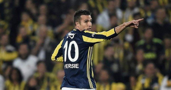 Van Persie atıyor, Fenerbahçe kazanıyor