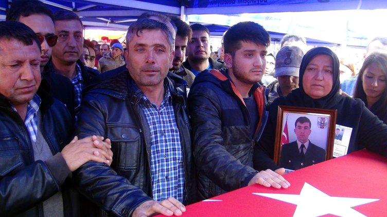 Afrin şehidi Uzman Çavuş'u Kahramanmaraş'ta 10 bin kişi uğurladı