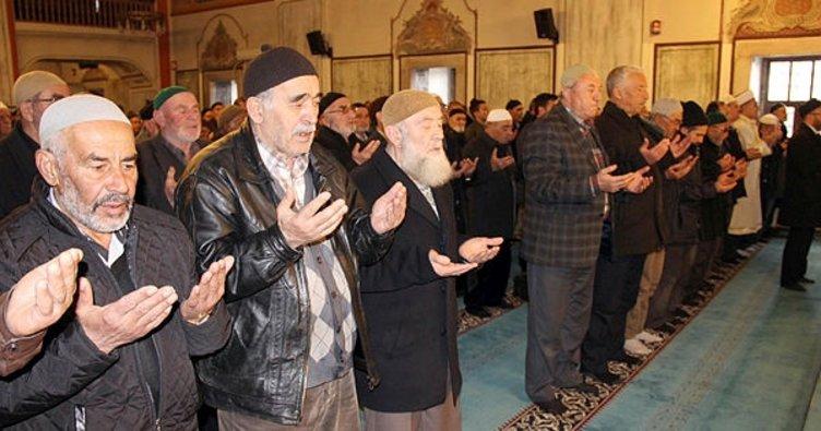 Yozgat'ta sağlık çalışanları şehitler için mevlit okuttu