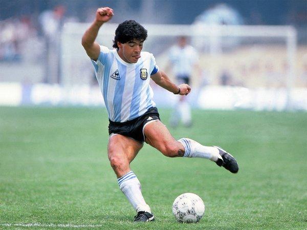SON DAKİKA HABERİ: Maradona hayatını kaybetti! Diego Armonda Maradona neden öldü, kaç yaşındaydı? Maradona kimdir? - Dünya Haberleri