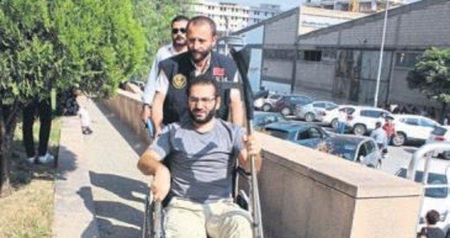 """Kaçarken ayağı kırılan """"savcı"""" tutuklandı"""