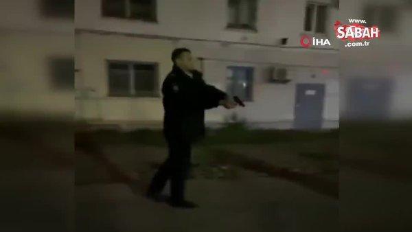 Rusya'da polis üzerine yürüyen genci böyle vurdu | Video