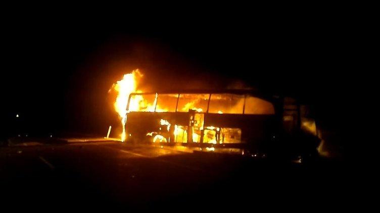 Sivas'ta yolcu otobüsü alev aldı