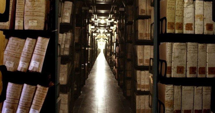 vatikan arşivleri ile ilgili görsel sonucu