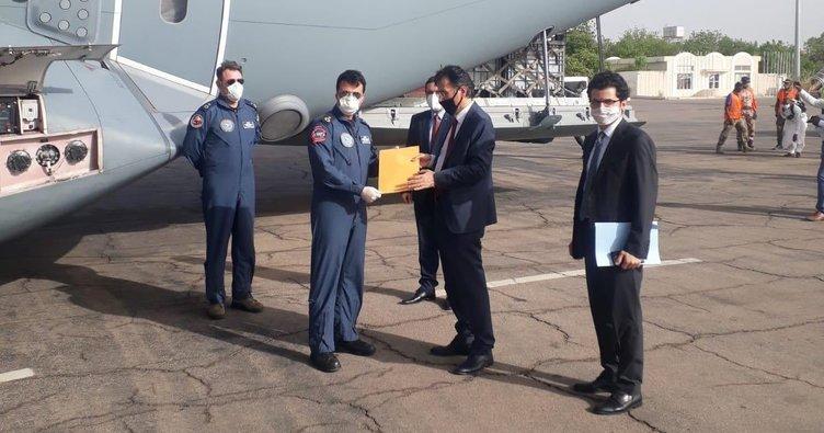 Cumhurbaşkanı Erdoğan'ın mektubu ve Çad'a gönderilen tıbbi yardım malzemeleri yetkililere teslim edildi