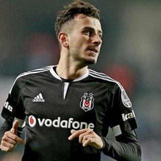 Oğuzhan Özyakup, Beşiktaş'la sözleşme imzalamış