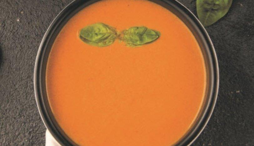 FesleğenliSütlü Domates Çorbası
