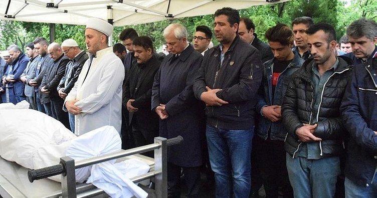 Varşova'da Türk gencini öldürdüler