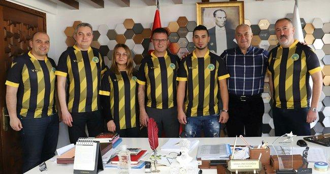 Fenerbahçe'nin eski futbolcusu Gökhan Emreciksin, Alaşehir Belediyespor'da