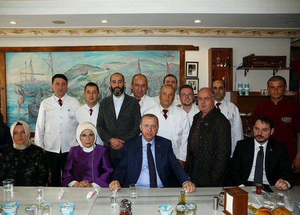 Cumhurbaşkanı Erdoğan tarihi köfteciye gitti