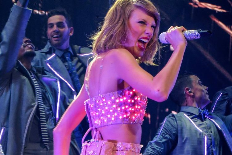 Taylor Swift zirveye oturdu