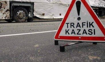 Manisa'da otomobil kamyonetle çarpıştı: 7 yaralı