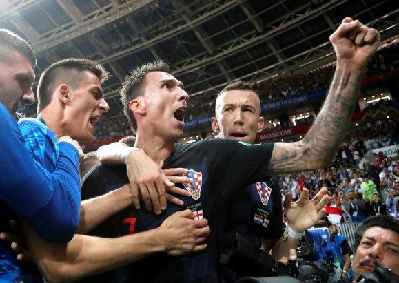 Hırvatlar finale kaldı, olan foto muhabire oldu!