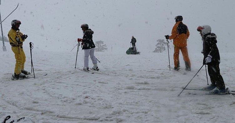 Kartalkaya'da yoğun kar yağışı
