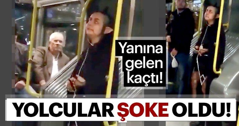 Metrobüse bindi, bütün gözleri üzerine çekti!