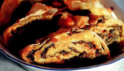 Ispanaklı ve Patatesli Rulo Börek