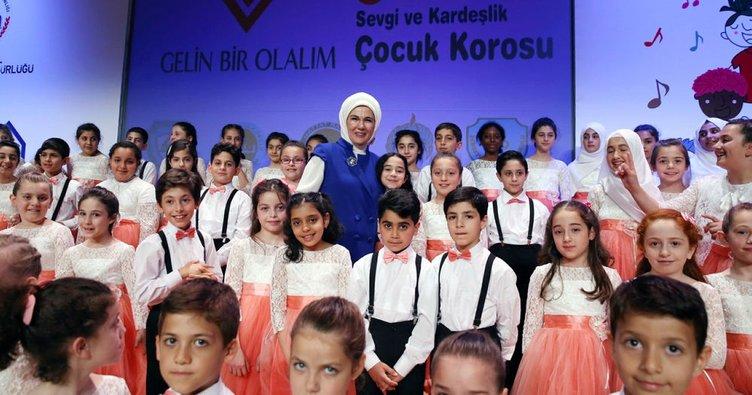 Emine Erdoğan, İstanbul'da çeşitli sanatsal etkinliklere katıldı