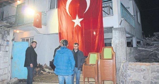 El Bab şehidi uzman çavuşun Denizli'deki baba evinde yas