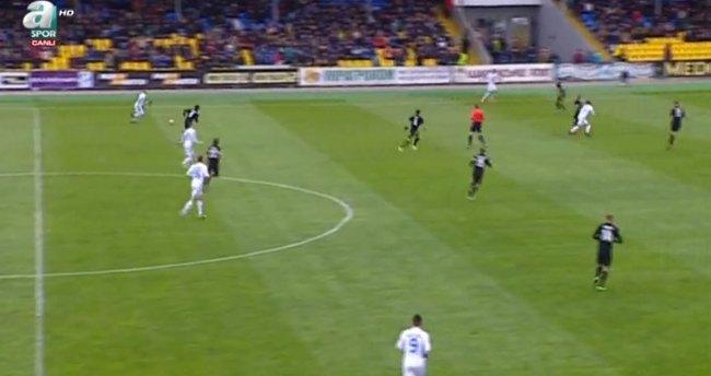 Dinamo Kiev, talihsiz golle yıkıldı!