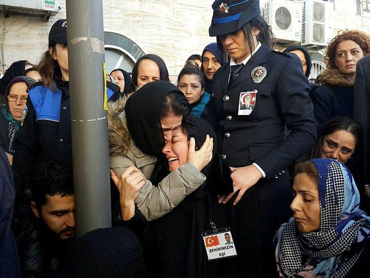 Şehit Rize Emniyet Müdürü Altuğ Verdi memleketi Mersin'de toprağa veriliyor