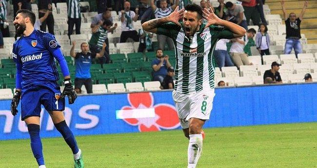 Bursaspor'un kurtarıcısı Jorquera