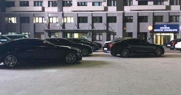 Emniyet müdürlüğünün bahçesi lüks araç galerisine döndü
