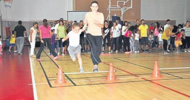 Öğrenciler tanışıp sporla kaynaşıyor