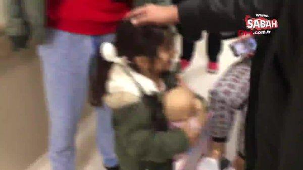 Minik kızın Pegasus yolcu uçağı kazasında kaybolan bebeğine kavuşma anı kamerada | Video