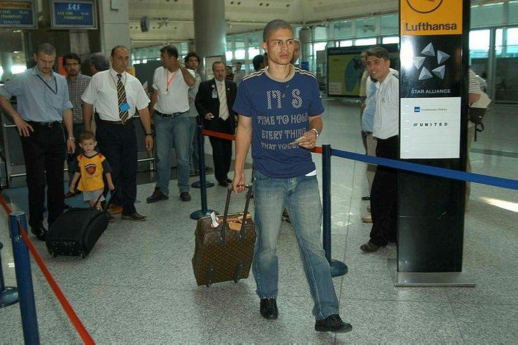 Fenerbahçe'nin unutulmaz futbolcusu Alex de Souza, 41 yaşında!
