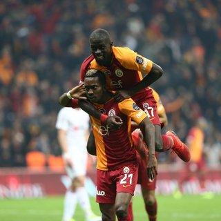 Galatasaray'da iki isim yolcu