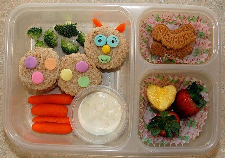 Çocuğunuza en iyi kahvaltı sevdirme yöntemleri