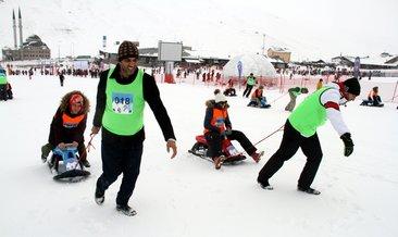 Erciyes'te eşler arası kızak çekme yarışması yapıldı