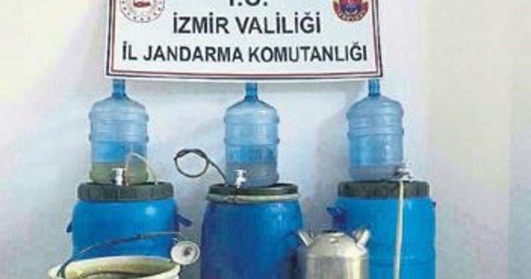İzmir'de 462 litre sahte içki yakalandı