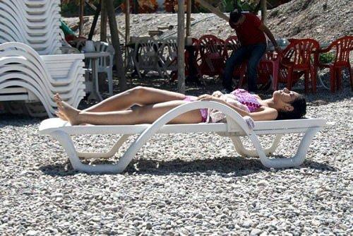 Tunceli'de insanlar plajlara akın ediyor