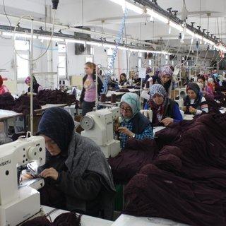 Bu fabrikada çalışan herkes kadın