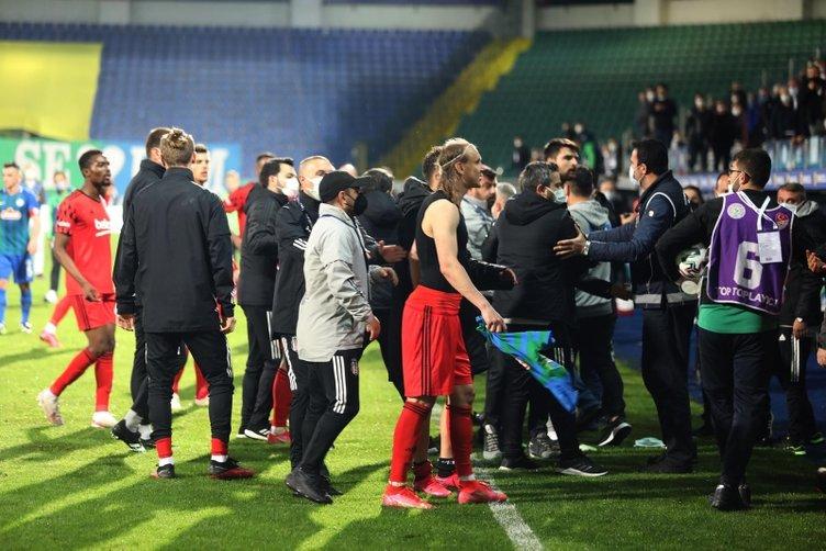 Son dakika: Çaykur Rizespor-Beşiktaş maçı sonrası ortalık karıştı! Dorukhan'a saldırı, Sergen Yalçın'a şok sözler