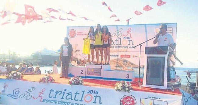 Triatlona Antalya damgası