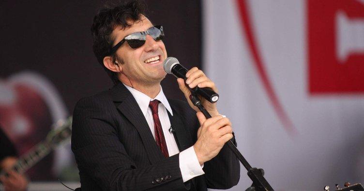 Ayna grubunun efsane müzisyeni Erhan Güleryüz tanınmaz halde