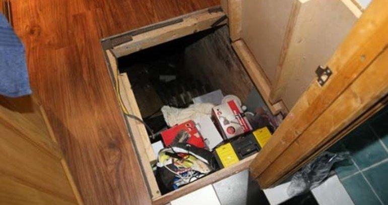 Evde gizli kapı buldu! Çıkanlara inanamadı...
