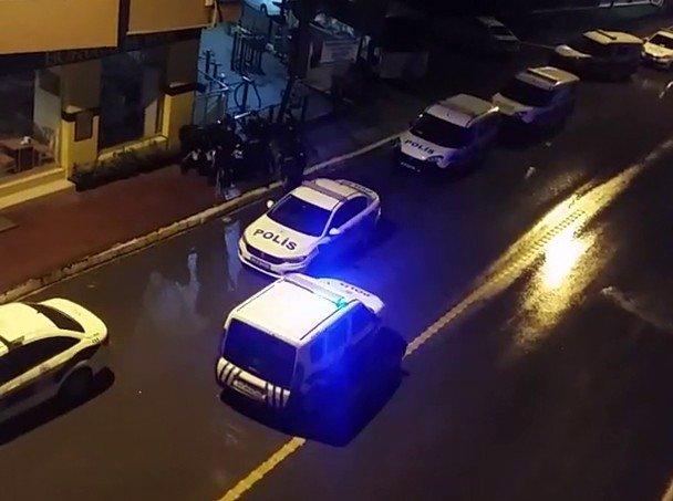 Pendik'te 1'kadın 2 hırsız, polis ekiplerince kıskıvrak yakalandı...