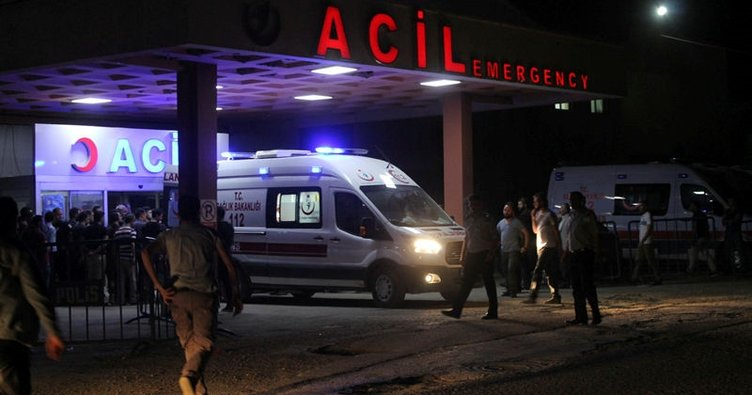 Şırnak'ta zırhlı polis aracı devrildi: 8 polis yaralı!