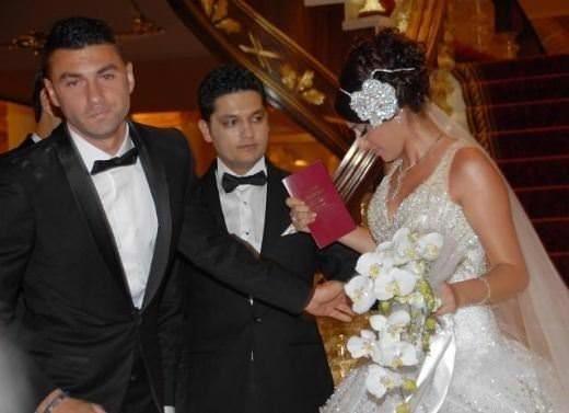 Burak Yılmaz'ın kardeşi Manolya Yılmaz evlendi