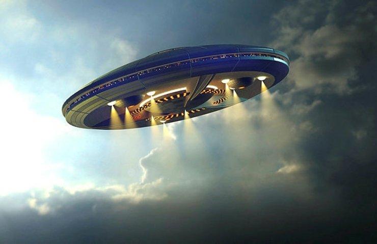 Çin UFO benzeri helikopterini tanıttı!