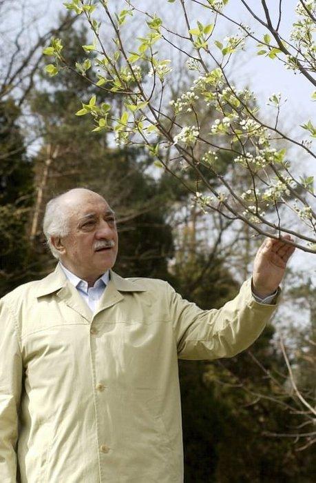 Fethullah Gülen hiç 2 ceketim olmadı diyor ama...